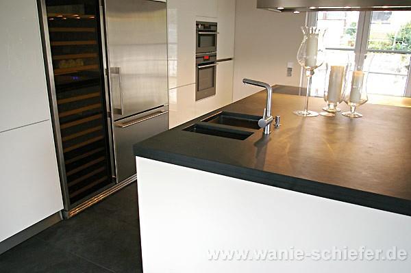bad schwarzer schiefer mit gro handel schiefer sandstein. Black Bedroom Furniture Sets. Home Design Ideas